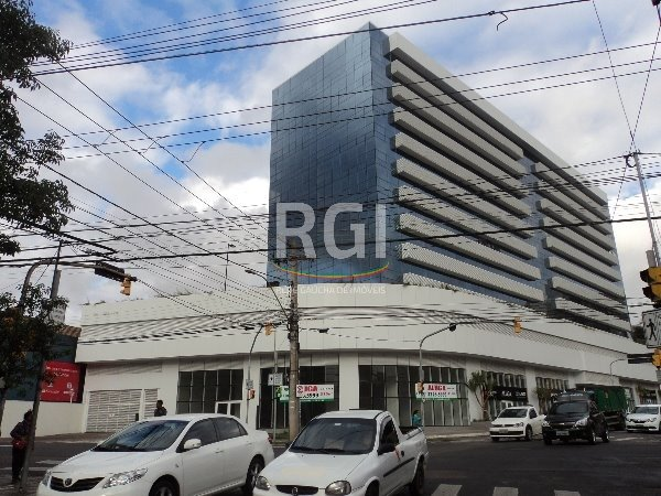 Ótima sala comercial em um dos melhores empreendimentos comerciais de Porto Alegre. Condomínio com infra de segurança e atendimentos de cliente completa, ficando a poucos metros do Hospital Moinhos de Vento.