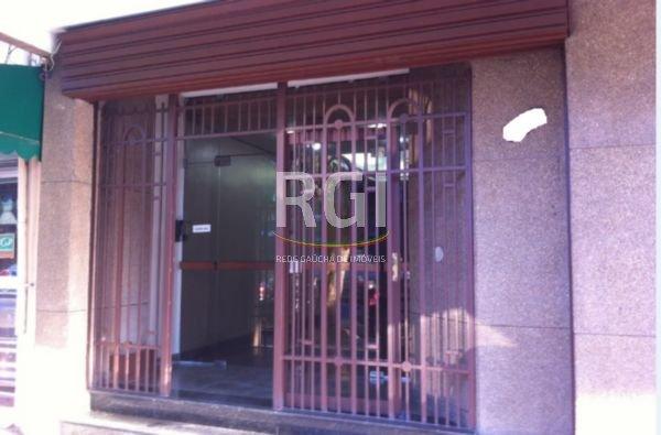 Ótimo prédio de esquina,  constituído de 3 lojas e 21 salas, sendo 04 coberturas, no melhor local do Bairro São Geraldo com área total privativa de 1.418 m.Próximo à Av. Farrapos, Centro de Porto Alegre.