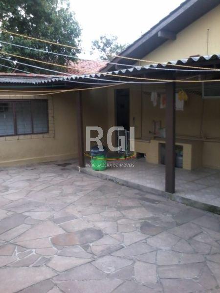 Casa de 3 (tres) dormitórios,no bairro Santa Fé em Porto Alegre. (Clique para ver)