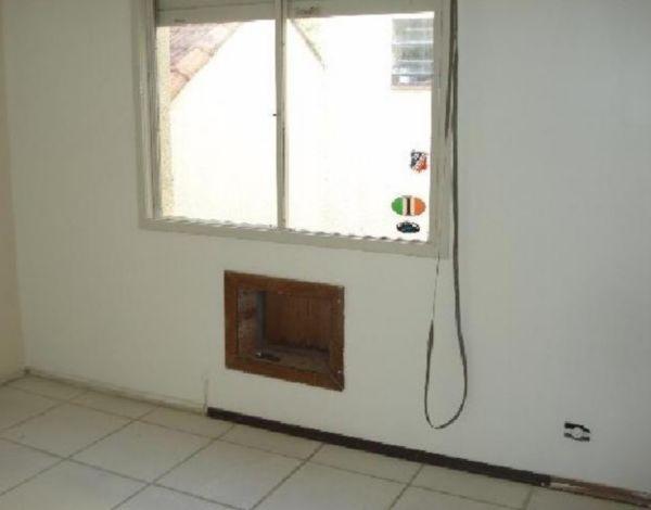 Apartamento de 1 dormitório, no airro Cidade baixa em Porto Alegre,com living para 2 ambientes, cozinha, e banheiro, quase esquina Aureliano de Figueiredo Pinto, com supermercado e transportes.