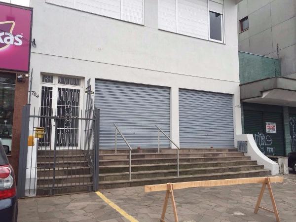Ótima loja , em perfeitas condições,  com aproximadamente 220m, no bairro Petropólis, na Av. Protásio Alves com 2 banheiros, 5 vagas de estacionamneto em frente a loja. Perfeito para comércio de rua ou estabelecimentos comerciais.   Agende sua visita.